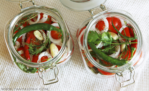 Marinated-pickled-tomatoes-marinovannye-pomidory-Tanya-Vega-5.jpg